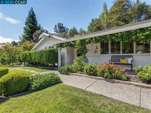 Photo of 46 Ivy Drive, ORINDA, CA 94563 (MLS # 40958722)