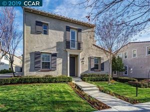 Photo of 2229 Maidenhair Way, SAN RAMON, CA 94582 (MLS # 40878724)