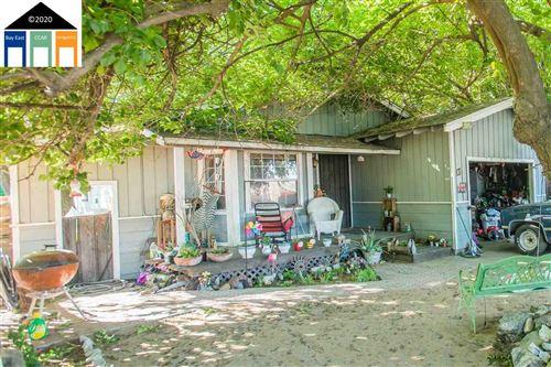 Photo of 37 Oneil Ct, OAKLEY, CA 94561 (MLS # 40908725)