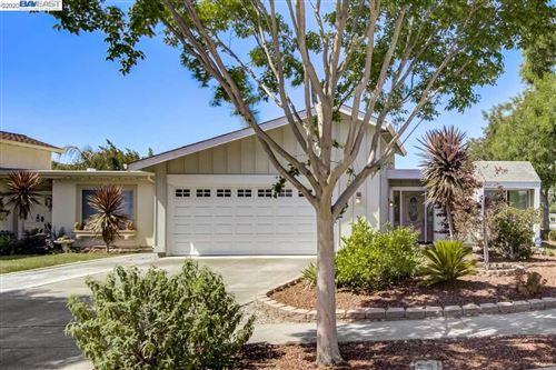 Photo of 36681 Port Sailwood Dr, NEWARK, CA 94560 (MLS # 40909725)