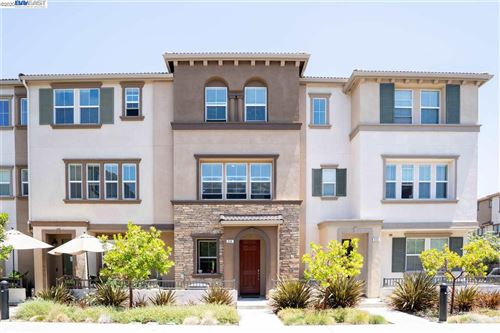 Photo of 638 Moss Way, HAYWARD, CA 94541 (MLS # 40911726)