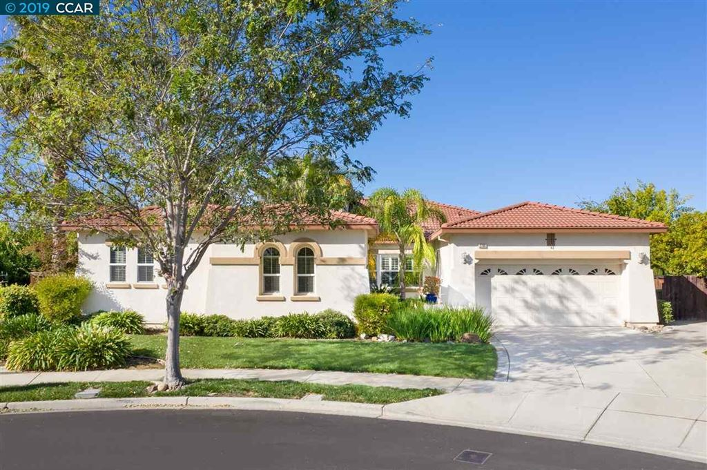 Photo for 2700 Cinnabar Hills Ct, BRENTWOOD, CA 94513 (MLS # 40884726)