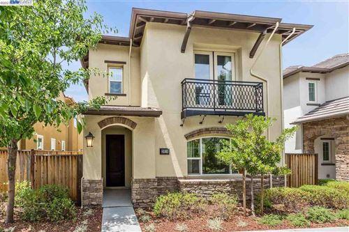 Photo of 2018 Poinsettia St, SAN RAMON, CA 94582 (MLS # 40954727)