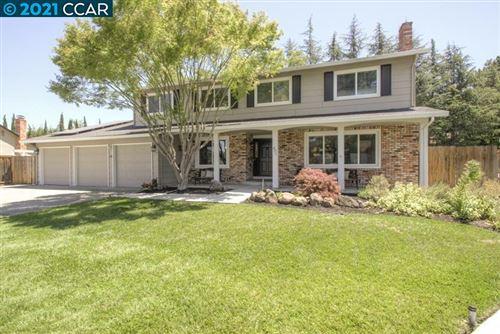 Photo of 471 Evergreen Court, DANVILLE, CA 94526 (MLS # 40953732)