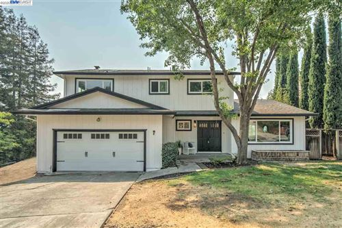 Photo of 7 PULIDO CT, DANVILLE, CA 94526-1623 (MLS # 40921735)