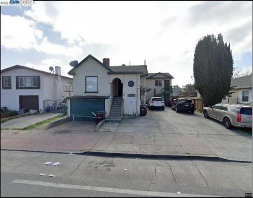 Photo of 6423 Bancroft Ave, OAKLAND, CA 94605-2047 (MLS # 40945735)