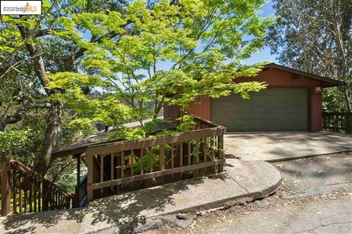 Photo of 6840 Paso Robles Dr, OAKLAND, CA 94611 (MLS # 40905736)
