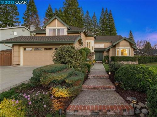 Photo of 147 Sussex Ct, SAN RAMON, CA 94582 (MLS # 40932737)