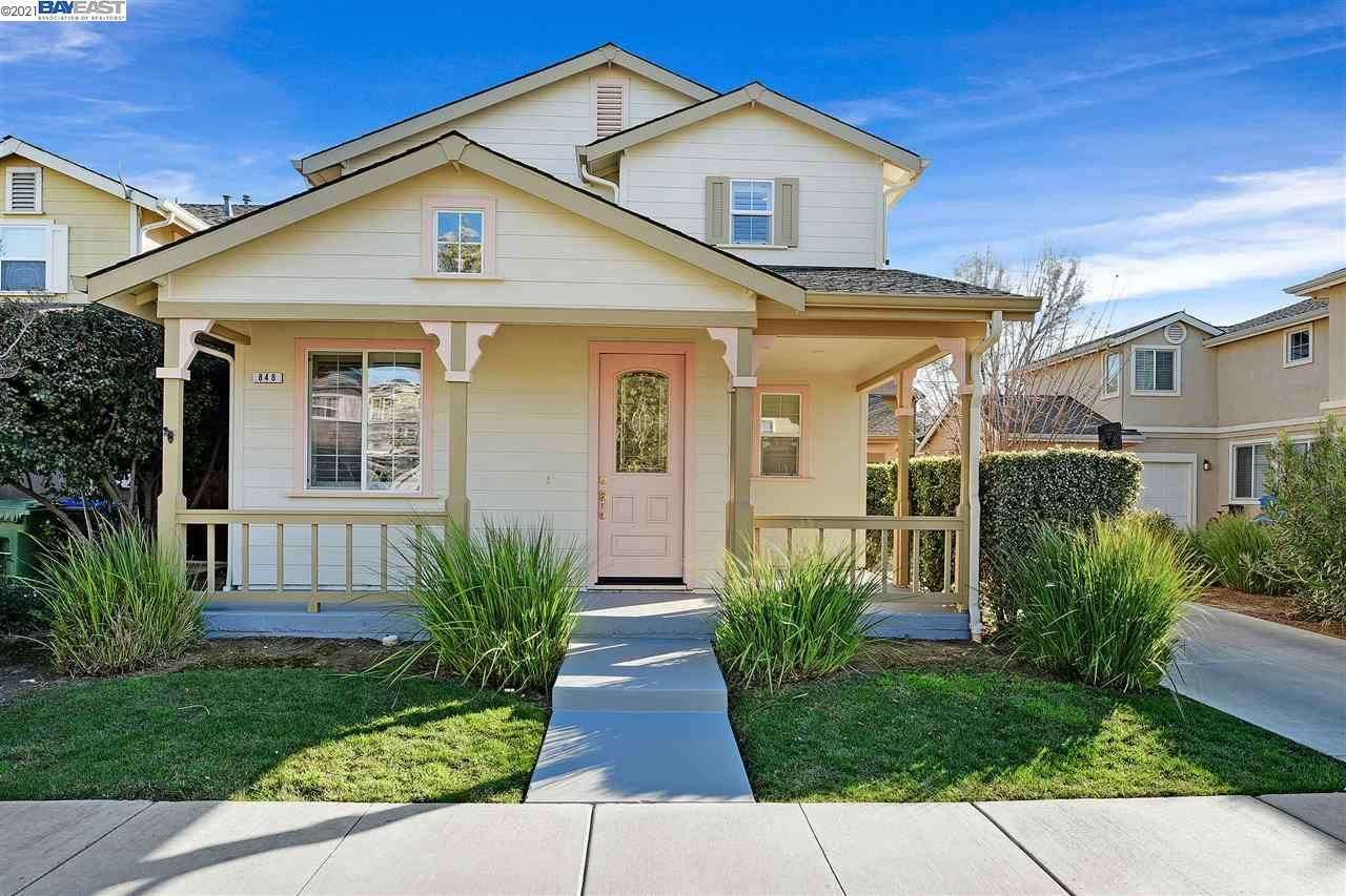 Photo for 848 Boone Dr, BRENTWOOD, CA 94513 (MLS # 40938738)