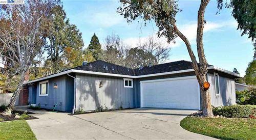 Photo of 590 Saint George Rd, DANVILLE, CA 94526 (MLS # 40933740)