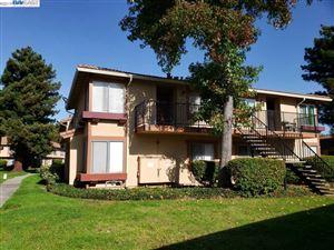 Photo of 4937 Bridgepointe Pl, UNION CITY, CA 94587 (MLS # 40888743)
