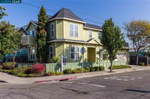 Photo of 1036 30Th St, OAKLAND, CA 94608 (MLS # 40889743)