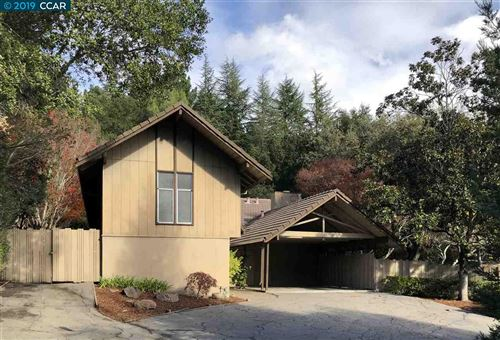 Photo of 121 Bates Court, ORINDA, CA 94563 (MLS # 40890743)