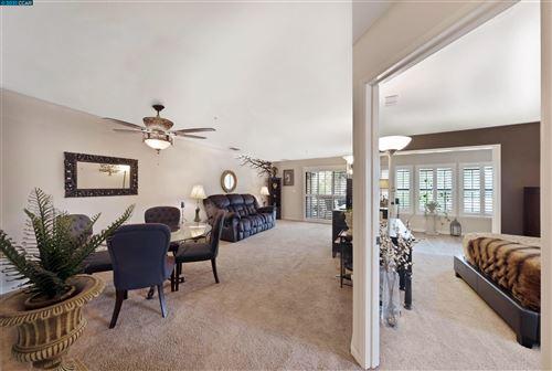 Photo of 1121 S Villa Way, WALNUT CREEK, CA 94595 (MLS # 40961743)