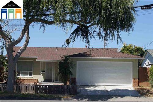 Photo of 27223 Patrick Ave, HAYWARD, CA 94544 (MLS # 40910744)