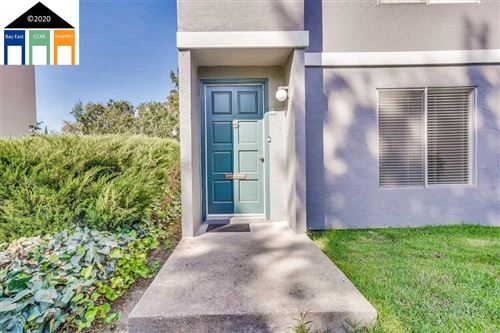 Photo of 3365 Northwood Dr #D, CONCORD, CA 94520-9570 (MLS # 40922745)