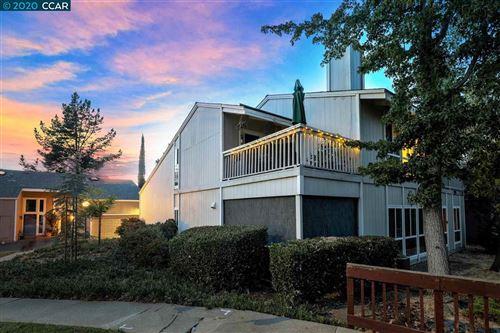 Photo of 525 Ridgeview Ct, PLEASANT HILL, CA 94523 (MLS # 40924746)