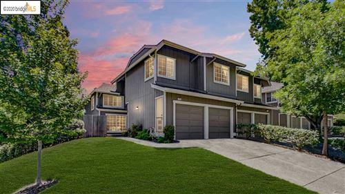 Photo of 225 Hillcrest Cir, PLEASANT HILL, CA 94523 (MLS # 40909747)