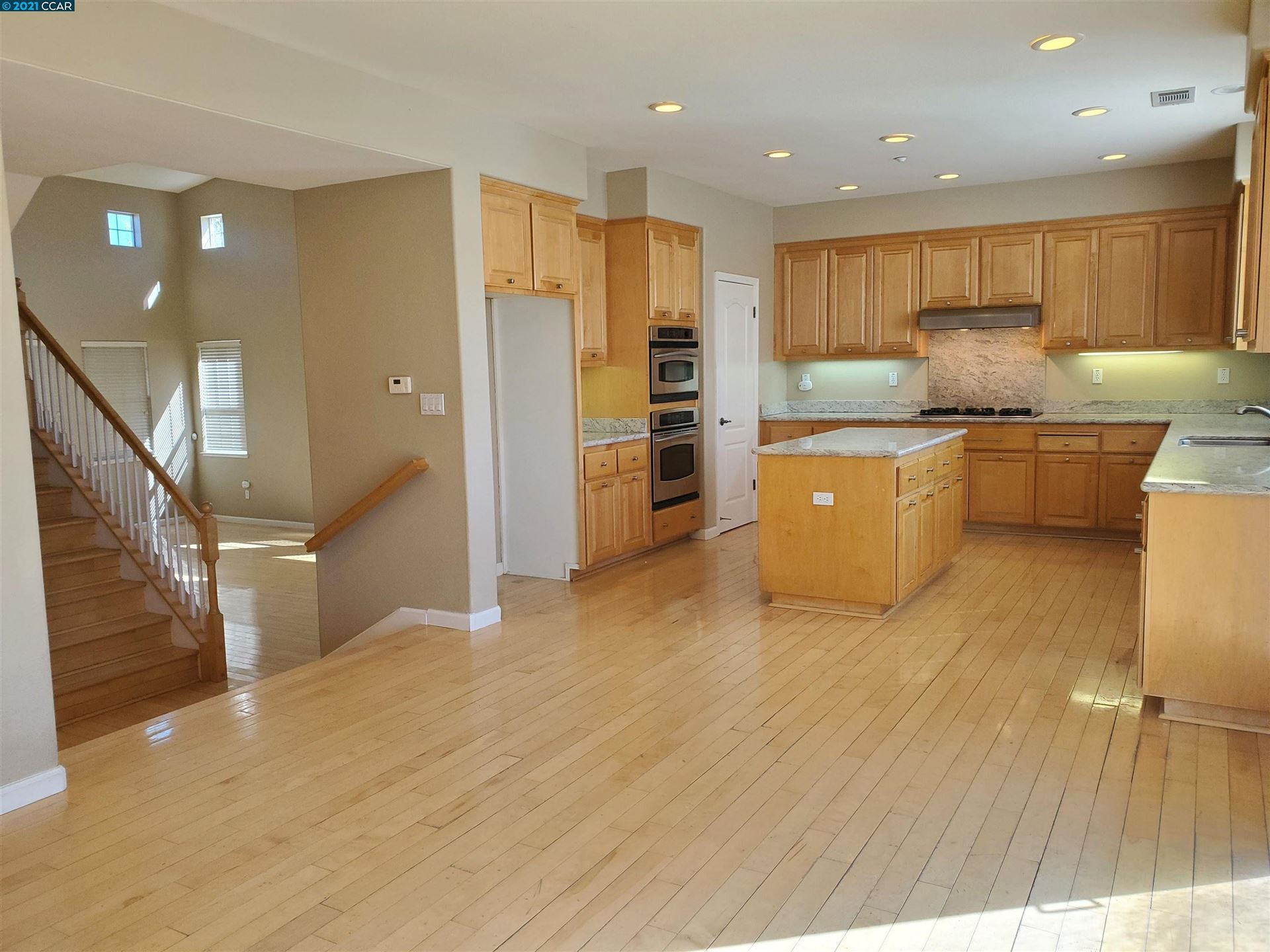 Photo of 357 Roundhill Dr, Brentwood, CA 94513 (MLS # 40969747)
