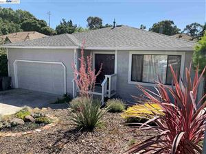 Photo of 23739 Fairlands Rd, HAYWARD, CA 94541 (MLS # 40878749)