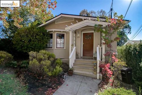 Photo of 1221 Wellington St, OAKLAND, CA 94602 (MLS # 40922749)