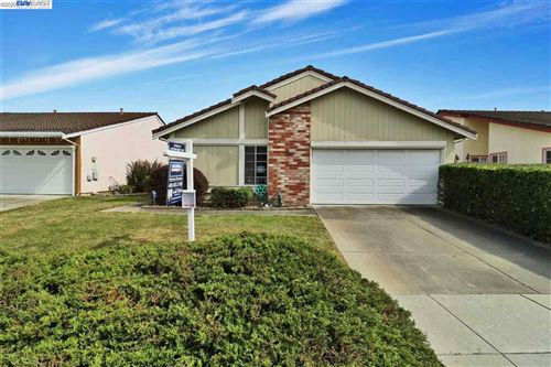 Photo of 33916 Tybalt Ct, FREMONT, CA 94555 (MLS # 40904750)