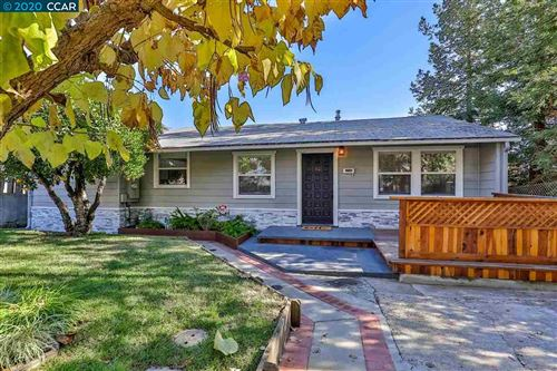 Photo of 1030 Oak St, MARTINEZ, CA 94553-2815 (MLS # 40929750)