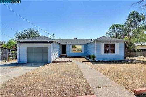 Photo of 115 Roslyn Dr, CONCORD, CA 94518 (MLS # 40945750)