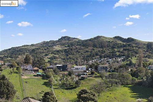 Photo of 471 Colina way, EL SOBRANTE, CA 94803 (MLS # 40915753)