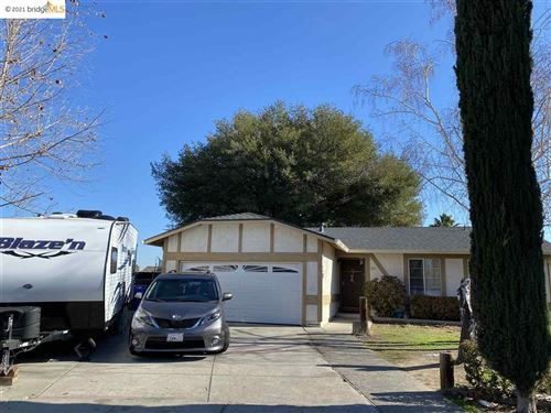 Photo of 1403 Teal Ct, OAKLEY, CA 94561 (MLS # 40934753)