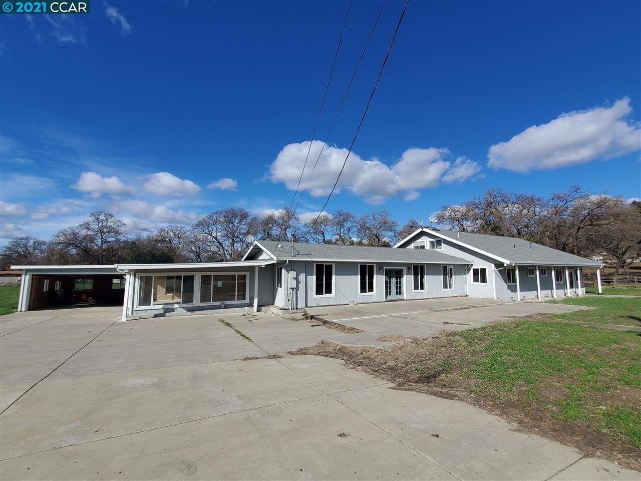 Photo for 1250 North Gate Rd, WALNUT CREEK, CA 94598 (MLS # 40938754)
