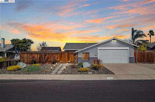 Photo of 448 Cedar Dr, LIVERMORE, CA 94551 (MLS # 40934756)