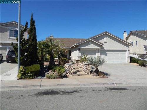 Photo of 247 Cloverbrook Cir, PITTSBURG, CA 94565 (MLS # 40900757)