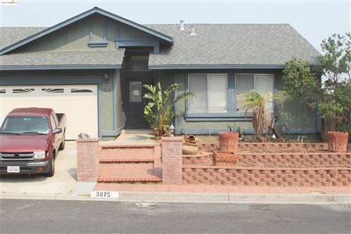 Photo of 3975 Alta Vista Cir, PITTSBURG, CA 94565 (MLS # 40964758)
