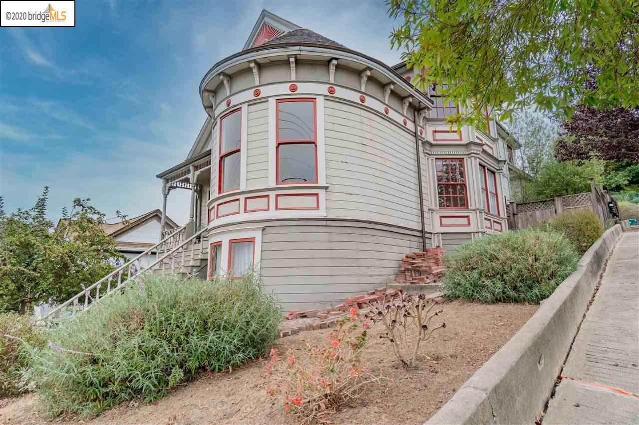 Photo of 1235 Lillian St, CROCKETT, CA 94525 (MLS # 40921758)