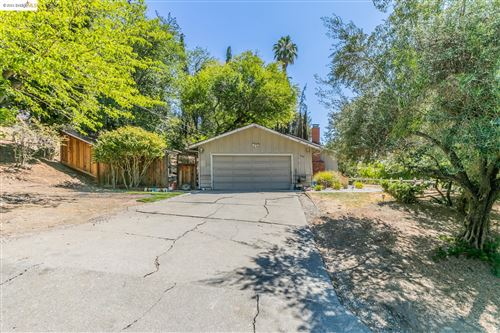 Photo of 1099 Country Club Drive, LAFAYETTE, CA 94549-1705 (MLS # 40966759)