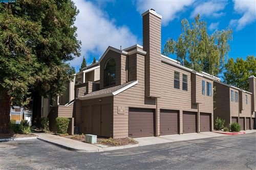 Photo of 274 S Overlook Drive, SAN RAMON, CA 94582 (MLS # 40967759)