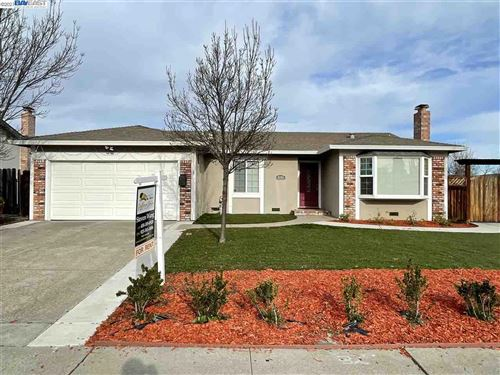 Photo of 9784 Broadmoor Dr, SAN RAMON, CA 94583 (MLS # 40934761)