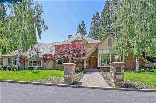 Photo of 134 Pepperwood Ct, DANVILLE, CA 94506 (MLS # 40958761)