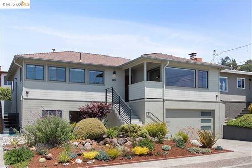 Photo of 6851 Snowdon Ave, EL CERRITO, CA 94530-1845 (MLS # 40959762)