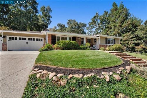Photo of 135 Grover Ln, Walnut Creek, CA 94596 (MLS # 40969764)