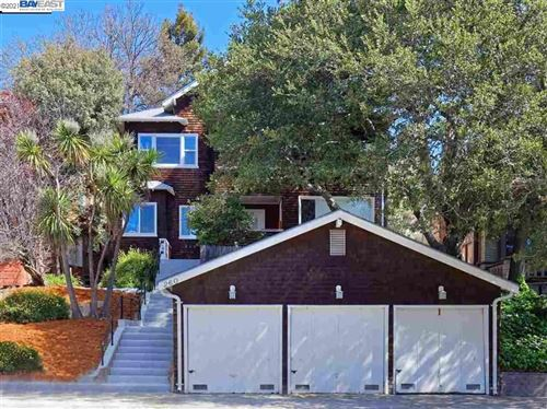 Photo of 260 Park View Ter, OAKLAND, CA 94610 (MLS # 40955766)