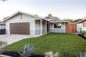 Photo of 1195 Covered Wagon Dr, OAKLEY, CA 94561 (MLS # 40883767)