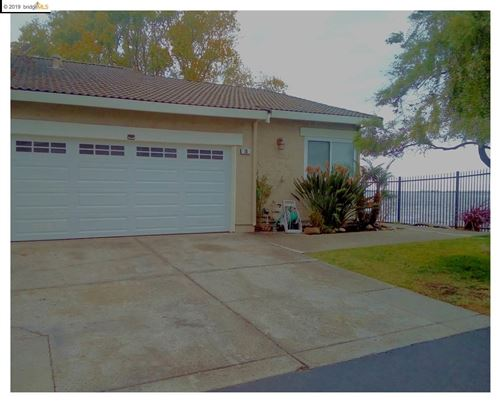 Photo of 10 Sea Point Way, PITTSBURG, CA 94565 (MLS # 40890767)