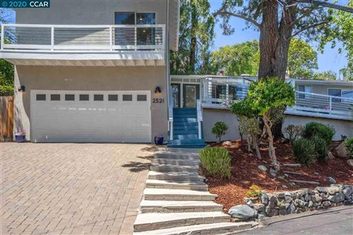 Photo of 2521 Overlook Dr, WALNUT CREEK, CA 94597 (MLS # 40914768)
