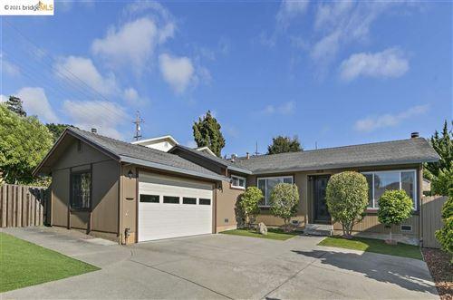 Photo of 5850 Ray St, EL CERRITO, CA 94530 (MLS # 40955768)
