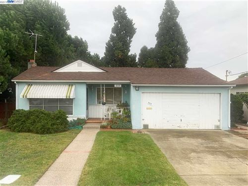 Photo of 335 Aloha Dr, SAN LEANDRO, CA 94578 (MLS # 40890772)