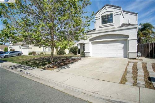 Photo of 1332 Steinbeck Dr, PITTSBURG, CA 94565 (MLS # 40945772)