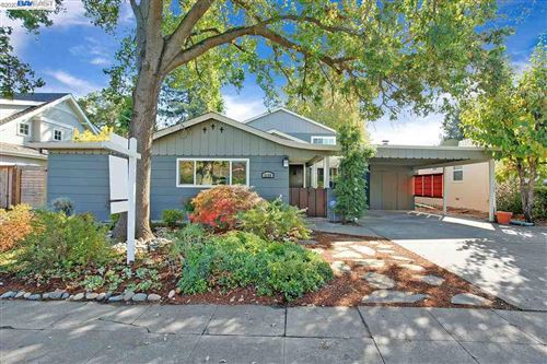 Photo of 2125 White Oak Way, SAN CARLOS, CA 94070 (MLS # 40893773)