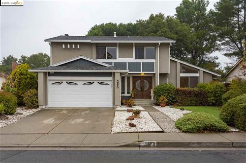 Photo of 265 Pepperwood St, HERCULES, CA 94547 (MLS # 40890774)